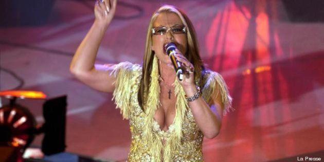 Anastacia: tumore al seno sconfitto per la seconda volta. Lo annuncia la cantante su Twitter