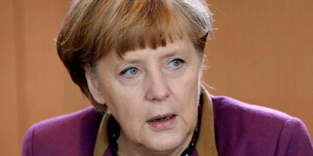 Crisi, dimezzata la previsione sul pil tedesco 2013. L'auto affonda la Germania. Non si vendono veicoli