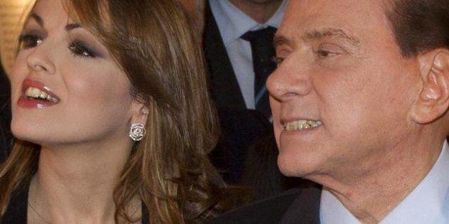 Silvio Berlusconi a Bari con Francesca Pascale e con Dudù il suo inseparabile