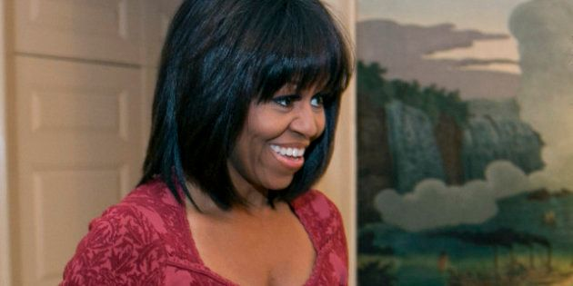 Stati Uniti: Michelle Obama festeggia il compleanno in un ristorante italiano, sfoggiando un nuovo look...