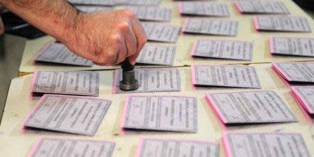 Risultati elezioni 2013, il Pd perde 4 milioni di voti, il Pdl quasi 6 milioni. Tre milioni di elettori...