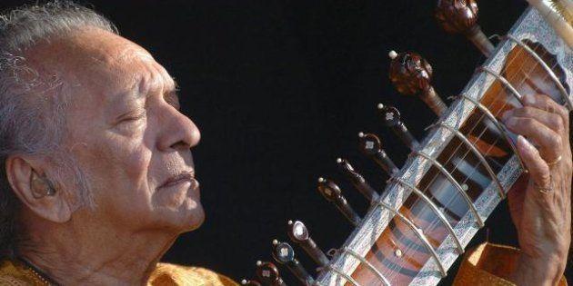 Morto Ravi Shankar, a 92 anni: il musicista, compositore e ispiratore dei Beatles