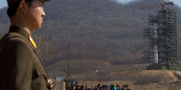 La Corea del Nord lancia missile a lungo raggio, la condanna della comunità internazionale: