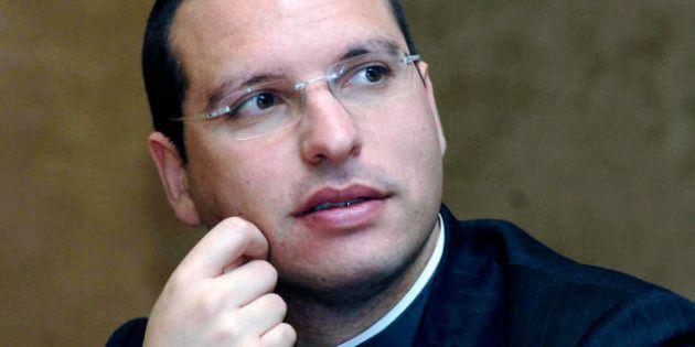 Elezioni 2013, Don Luigi Merola: Berlusconi voleva candidarmi, ma ho detto no. In Campania le liste non...