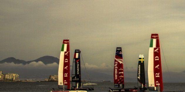 A Napoli prova a dimenticare proteste e bombe carta con l'America's Cup. Inaugurato il villaggio