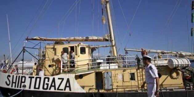 Marina israeliana blocca nave umanitaria diretta a Gaza . A bordo un italiano. Rilasciato (VIDEO)
