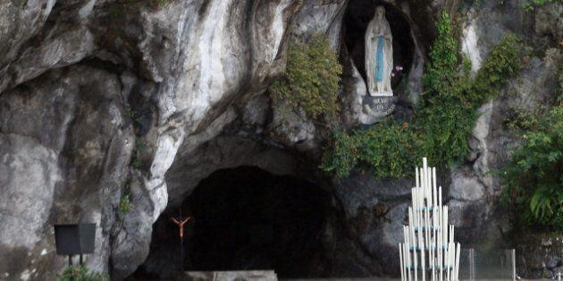 Il santuario di Lourdes allagato e chiuso. Evacuati cinquecento pellegrini