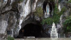 Benedetta acqua. Il santuario di Lourdes allagato e chiuso. Cinquecento pellegrini in salvo