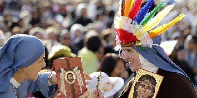 La prima santa pellerossa della storia: Kateri, figlia di un indiano irochese pagano