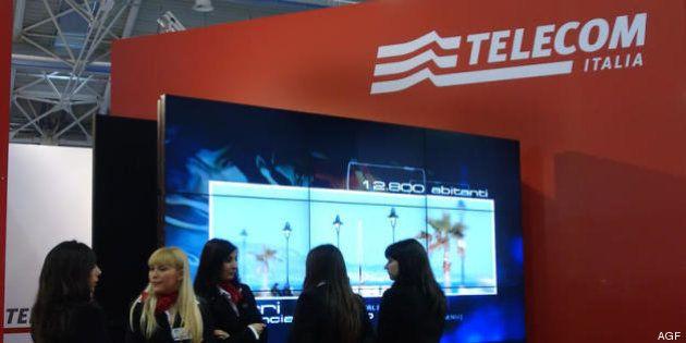 Telecom, fumata nera sullo scorporo rete. S&P taglia il rating a un passo dalla