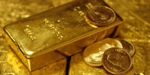 L'oro non brilla più. Quotazioni in picchiata per il metallo giallo. Goldman Sachs dà il la alle vendite...