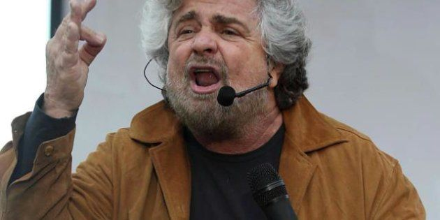 M5s, Beppe Grillo sulla diga del
