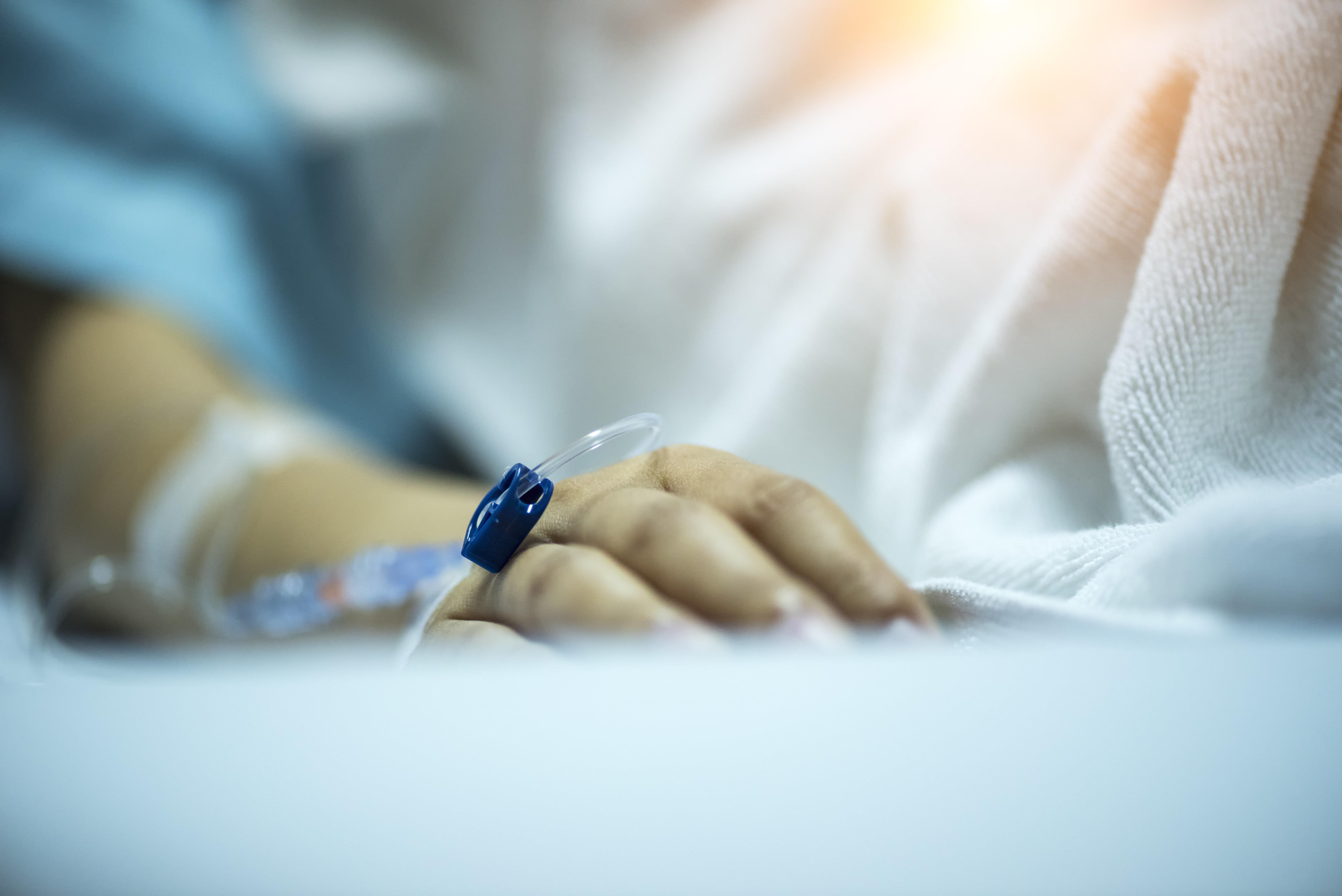 交通事故で約30年間、昏睡状態だった女性。意識を回復