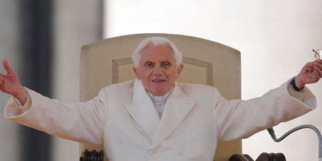 Il Papa emerito Bendetto XVI compie 86 anni, Francesco gli dedica la messa: