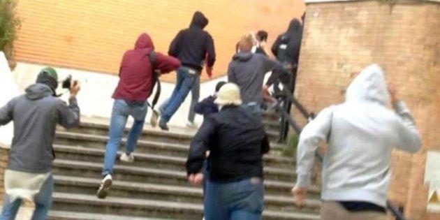 Blitz dei neofascisti nelle scuole, due giorni di paura nei licei romani. La condanna