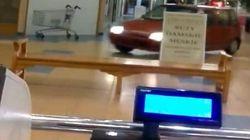 Un giro al supermercato... senza scendere dall'auto