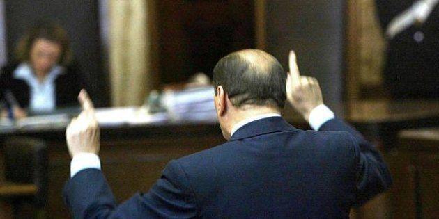 Silvio Berlusconi si riprepara al voto. E annuncia una manifestazione in piazza contro il golpe giudiziario....