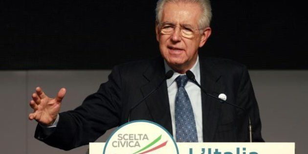 Mario Monti apre il World Economic Forum a Davos. Ceo pessimisti: in Italia troppe tasse