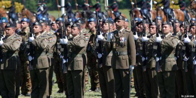 Spending review alla Difesa, forze armate dimezzate. Tutti i