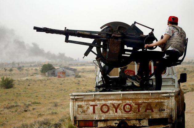 Λιβύη: Κυβερνητικές δυνάμεις απώθησαν τις δυνάμεις του Λιβυκού Εθνικού Στρατού νότια της