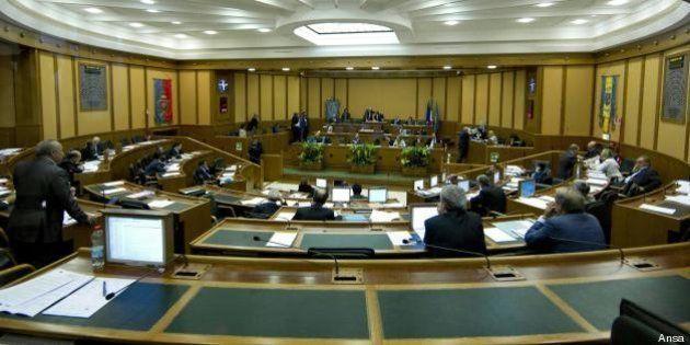 Regione Lazio, vitalizi, garanti e telefonia informatica: il M5s prepara emendamenti per tagliare 400...
