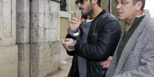Fabrizio Corona: le foto dell'ingresso al tribunale di Lisbona