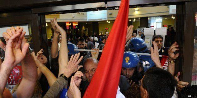 San Raffaele, tensioni con la polizia: occupata