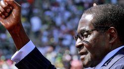 Zimbabwe, Mugabe giura ancora. A 89 anni inizia il suo settimo