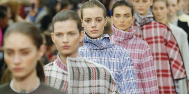 Moda, a Parigi sfila Celine. Purezza, nuvole e rigore marmoreo. Ispirazioni orientali per Kenzo e Costume
