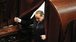 Berlusconi convoca un sit in dei suoi parlamentari davanti alla Camera: scatenate l'inferno pur di stoppare