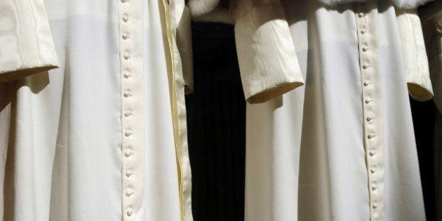Conclave 2013: pronti gli abiti del nuovo Papa, la sarta del Vaticano: