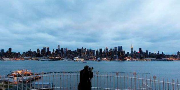 L'uragano Sandy blocca New York. Allarme sulla costa orientale