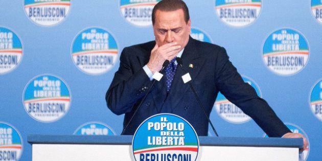 Elezioni 2013, Silvio Berlusconi con i suoi tra mamma Rosa e Azzurra libertà. Ma il Cav, colpito da un...