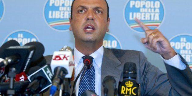 Alfano lo sfida, Berlusconi si prepara a distruggerlo. Bondi attacca Angelino, Verdini prepara la trappola...