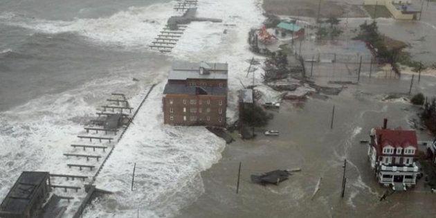 Uragano Sandy, almeno 14 morti. Il ciclone post tropicale è arrivato a New York, edifici distrutti, allagate...