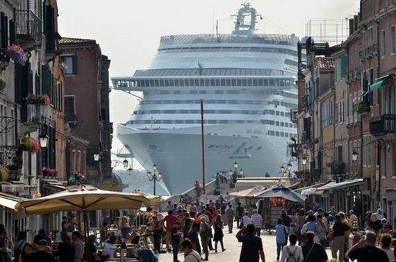 Stop alle grandi navi a Venezia? Forse si