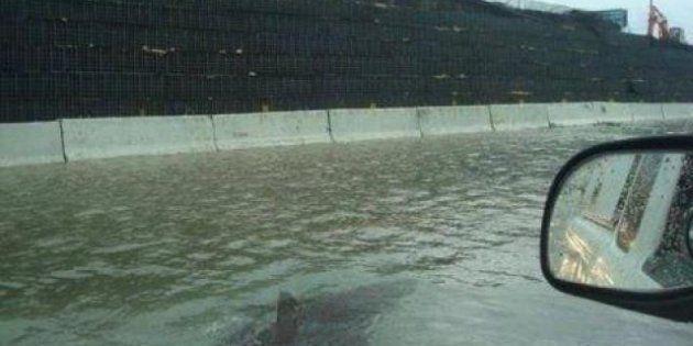 Sandy, la rete e il ciclone: squali nella metro e statua della libertà in fuga. Tutti i falsi (FOTO,