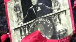Berlusconi nel Giorno della Memoria: la colpa di Mussolini furono le leggi razziali, per altre cose fece bene (FOTO,