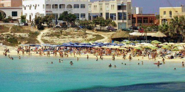 Immobili abusivi a Lampedusa, novanta indagati, sequestrata la villa di Claudio