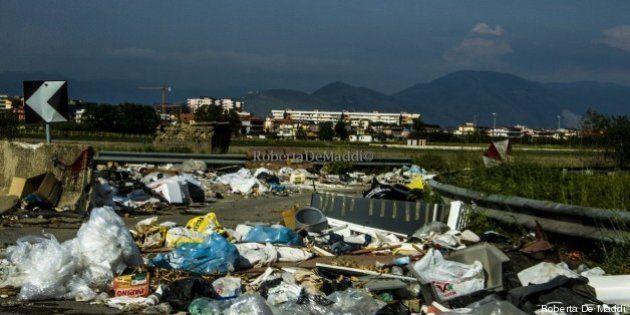 Napoli, torna l'emergenza rifiuti. E l'Europa blocca i fondi per i siti di compostaggio: garanzie non