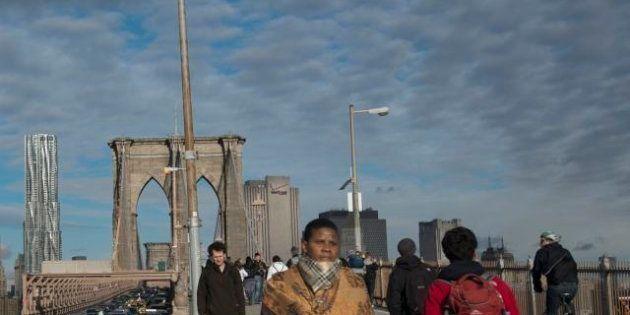 Uragano Sandy: New York dopo il ciclone, tutti a piedi sul ponte di Brooklyn #postsandy (FOTO,