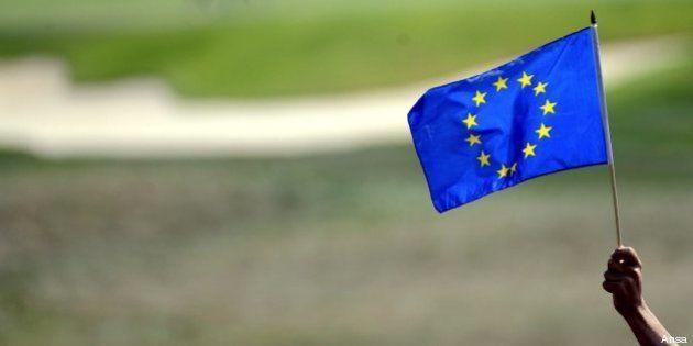 Euorostat, per l'Italia debito al 127% sul Pil. Deficit sul filo al