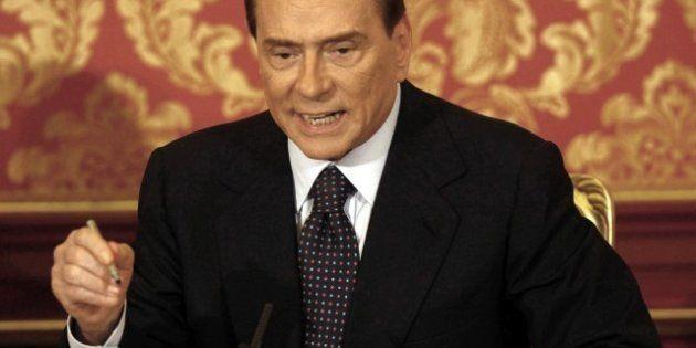 Il doppio binario di Silvio Berlusconi: trattativa con la Lega e bombardamento del quartier generale....