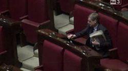 Cuperlo rimane solo in Aula. Su Twitter l'hashtag #cuperlosolitario (FOTO,