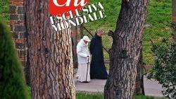 Prima uscita del papa emerito: Ratzinger passeggia nei giardini di Castel