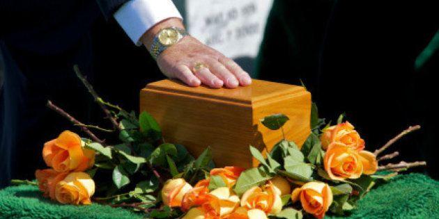 2 novembre, aumentano le cremazioni: 85mila all'anno. Colpa della