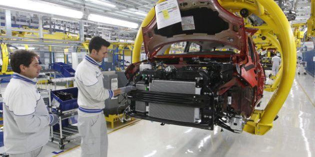 Fiat: la decisione sui 19 di Pomigliano dipende dal mercato dell'auto. Doppio comunicato sui licenziamenti,...