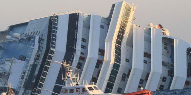 Costa Concordia, si allungano i tempi: il relitto non sarà rimosso prima del settembre