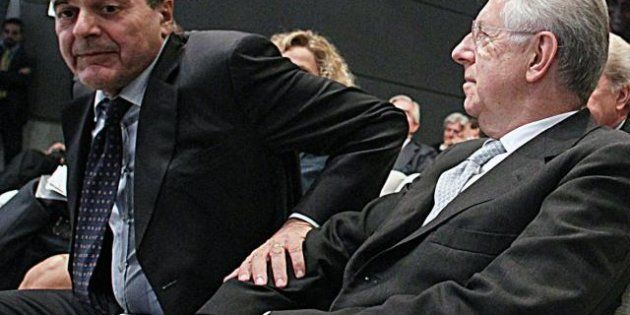 Pd sotto stress per il passo di Monti, Bersani chiede rispetto ma i montiani preparano un'iniziativa...