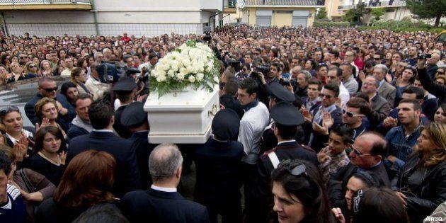 Ragazza uccisa a Corigliano: il giorno dei funerali di Fabiana